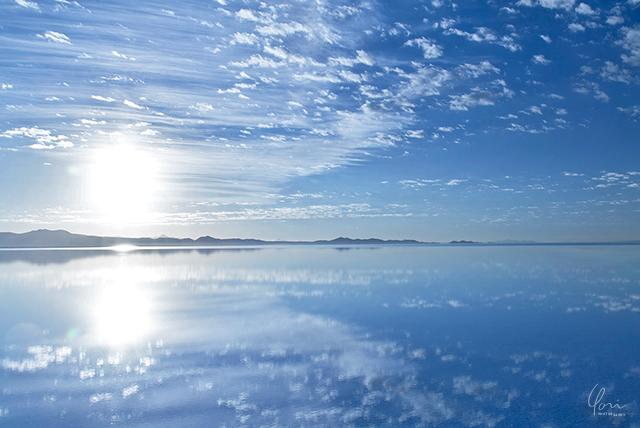 上下シンメトリー構図 ウユニ塩湖