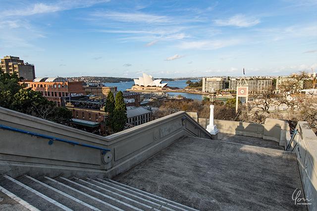 オペラハウスと階段