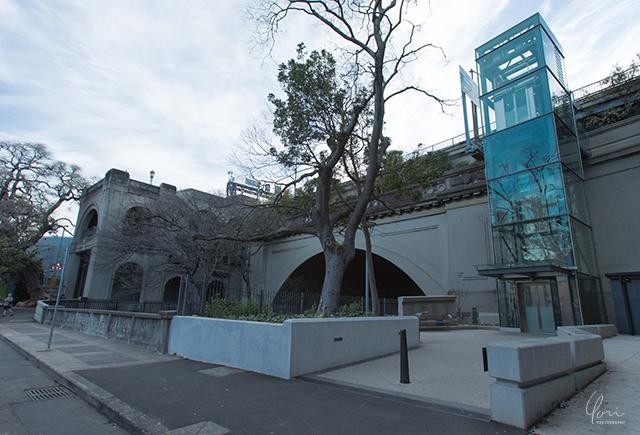 ロックス 橋への入り口