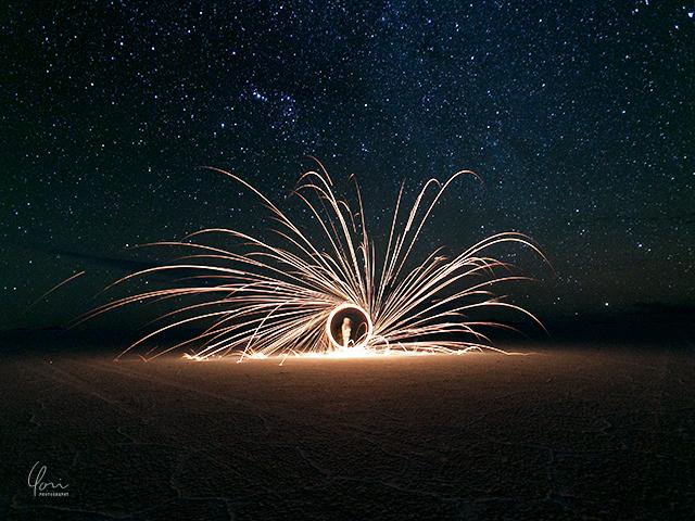 ウユニ 花火と星
