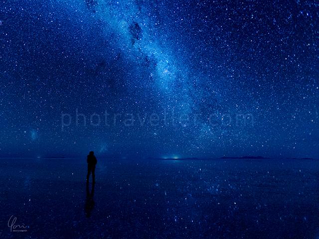 ウユニ塩湖 天の川 鏡張り