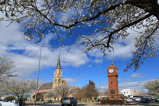 セントメアリー教会とクロックタワー