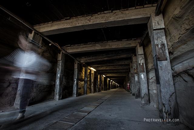 シドニー 世界遺産 コカトゥー島 トンネル1