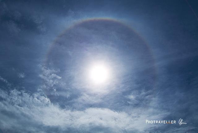 珍しい虹 丸い虹 日暈 ハロ