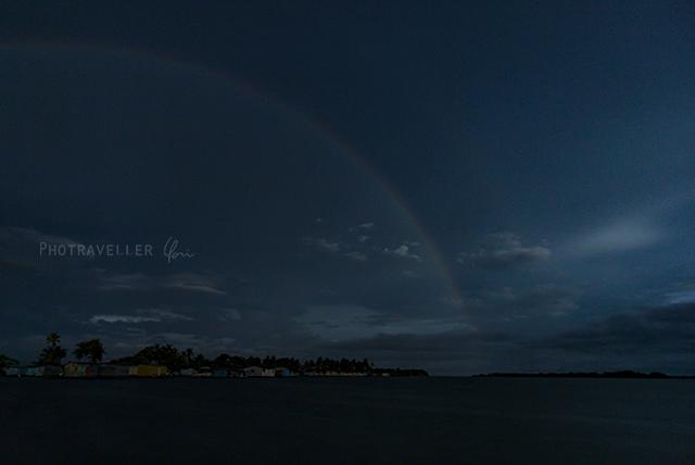 珍しい虹 ナイトレインボー 夜の虹