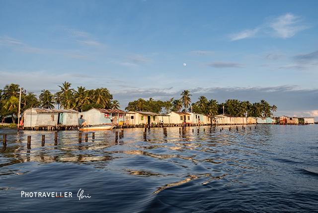雷が世界一多いベネズエラ カタトゥンボ 水上の家2