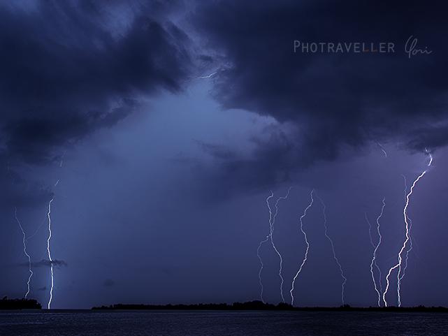 雷が世界一多いベネズエラ カタトゥンボ 連立する雷