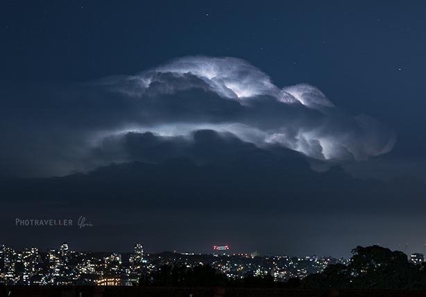 雷雲 星 夜景